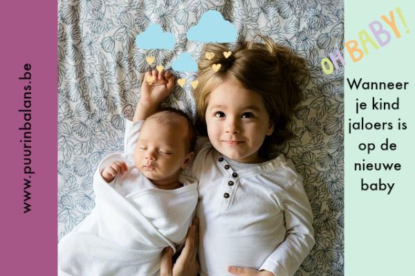 kind jaloers op nieuwe baby